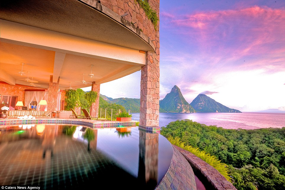 Hotels with the best views in the world for Top beautiful hotels in the world