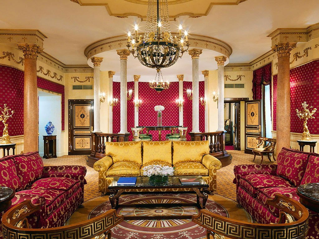 World 39 s most expensive hotel rooms ealuxe com for The most luxurious hotel