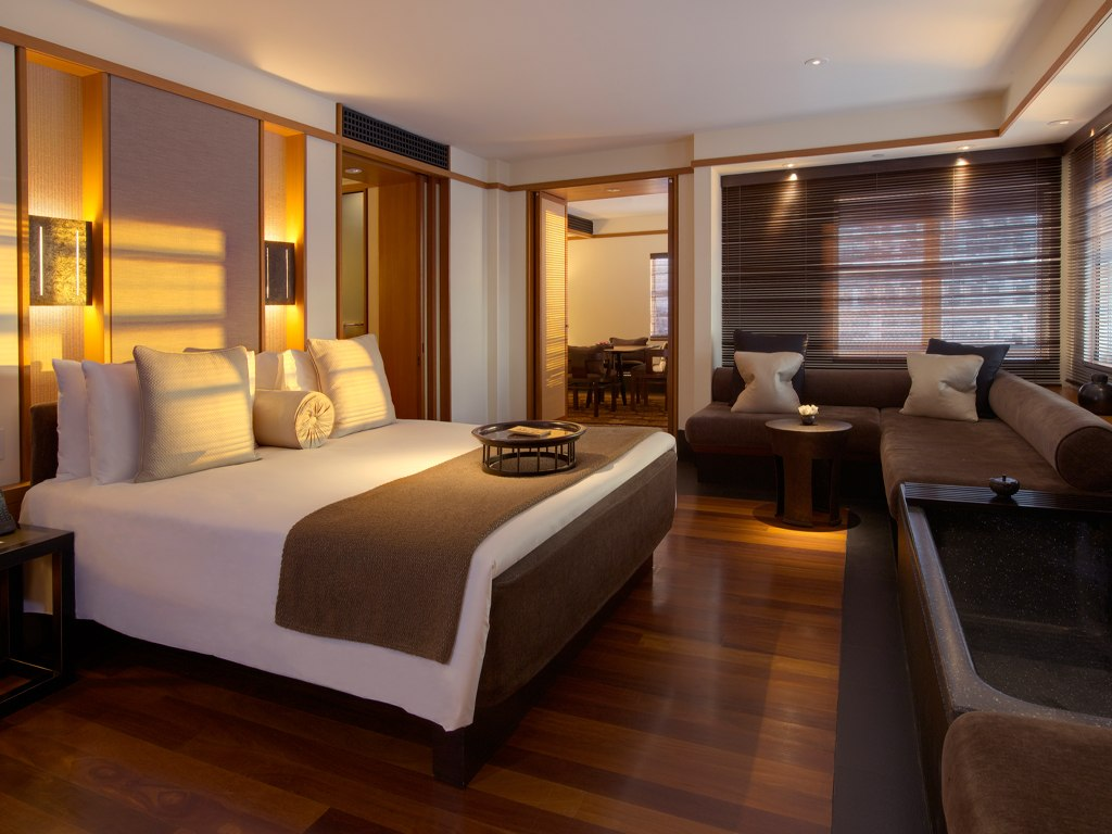 King Size Bedroom Suites For Sale Miami Mansions In The Sky Luxury Travel Ealuxe Com