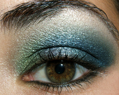green eyesmokey