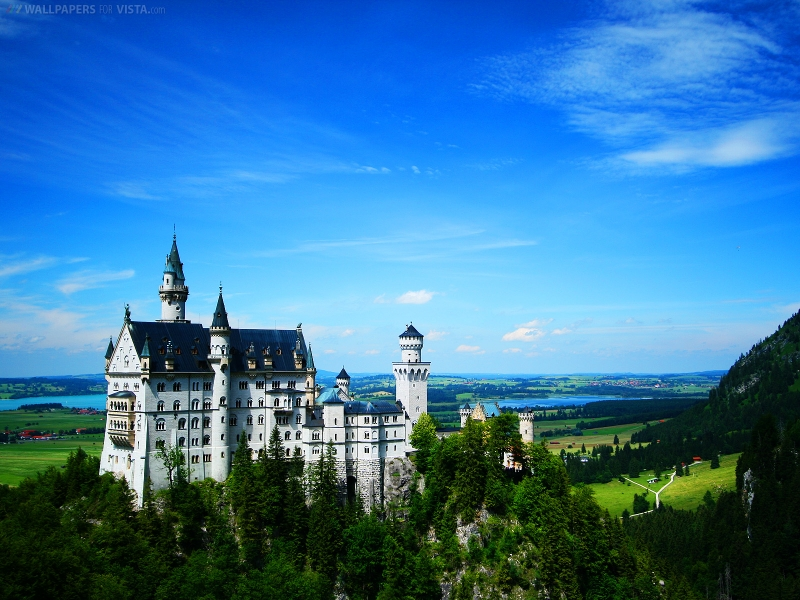 Top 10 Fascinating Facts About Castles