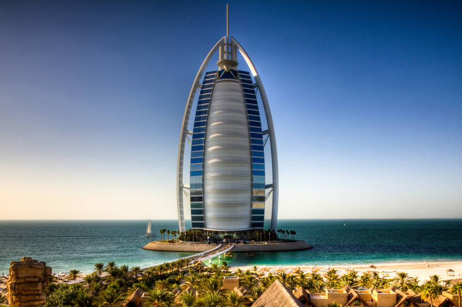 Most luxurious hotel in dubai burj al arab hotel ealuxe for Dubai world famous hotel