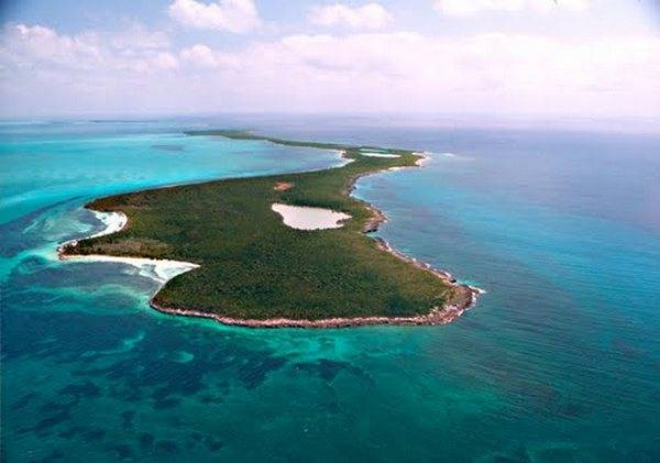 Top 10 Celebrity Vacation Islands - Most-Expensive.com