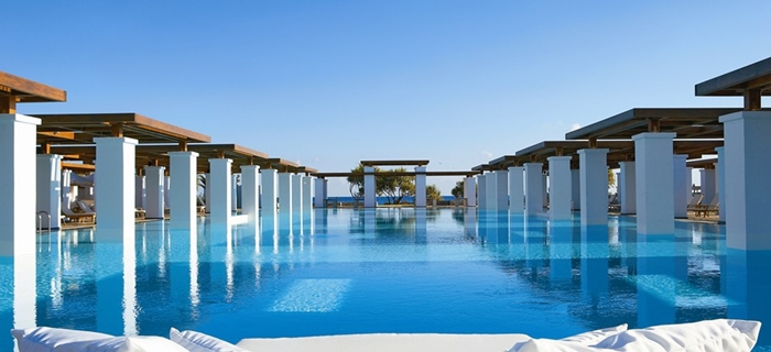 17 summer places you will fall in love with luxury beach for Exclusive luxury hotels