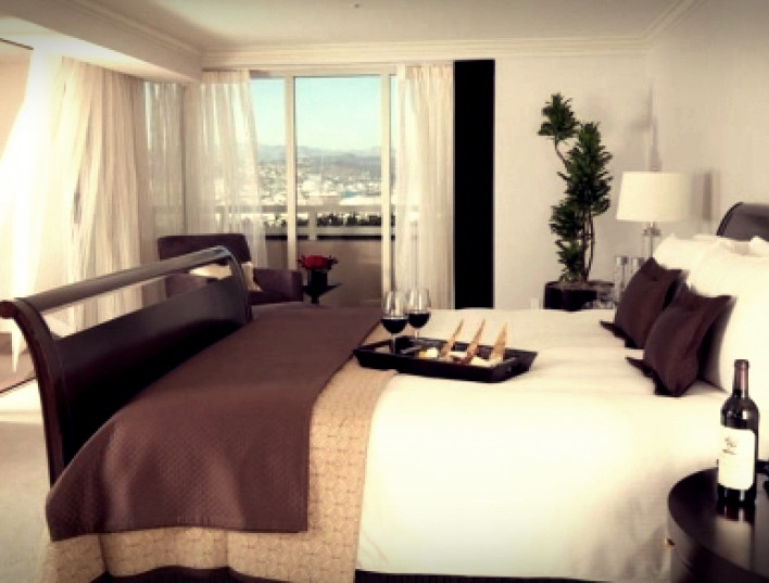 Most expensive hollywood hotels top 10 page 6 of 10 for Most luxurious hotel in los angeles