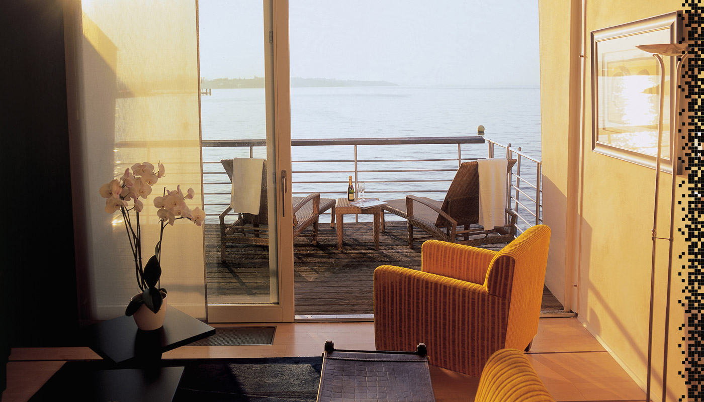 Most private romantic getaways for Luxury romantic hotels