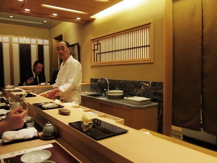 how to get a reservation at jiro sushi tokyo