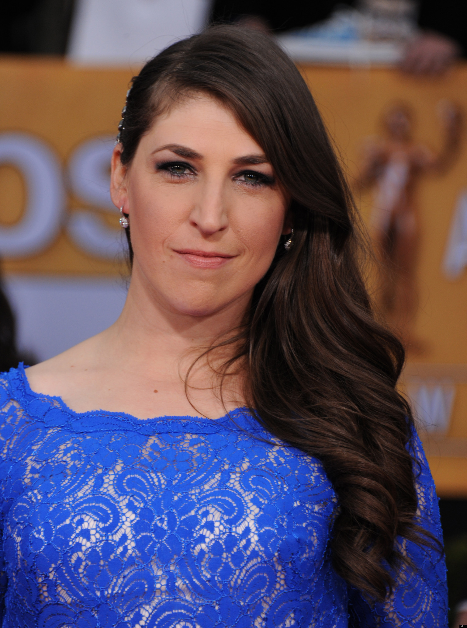 Eden Sher And Mayim Bialik | www.galleryhip.com - The Hippest Pics