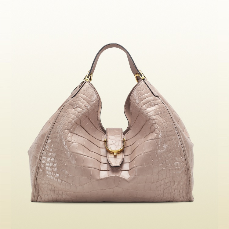 The One Colour That Makes All Handbags Look Expensive