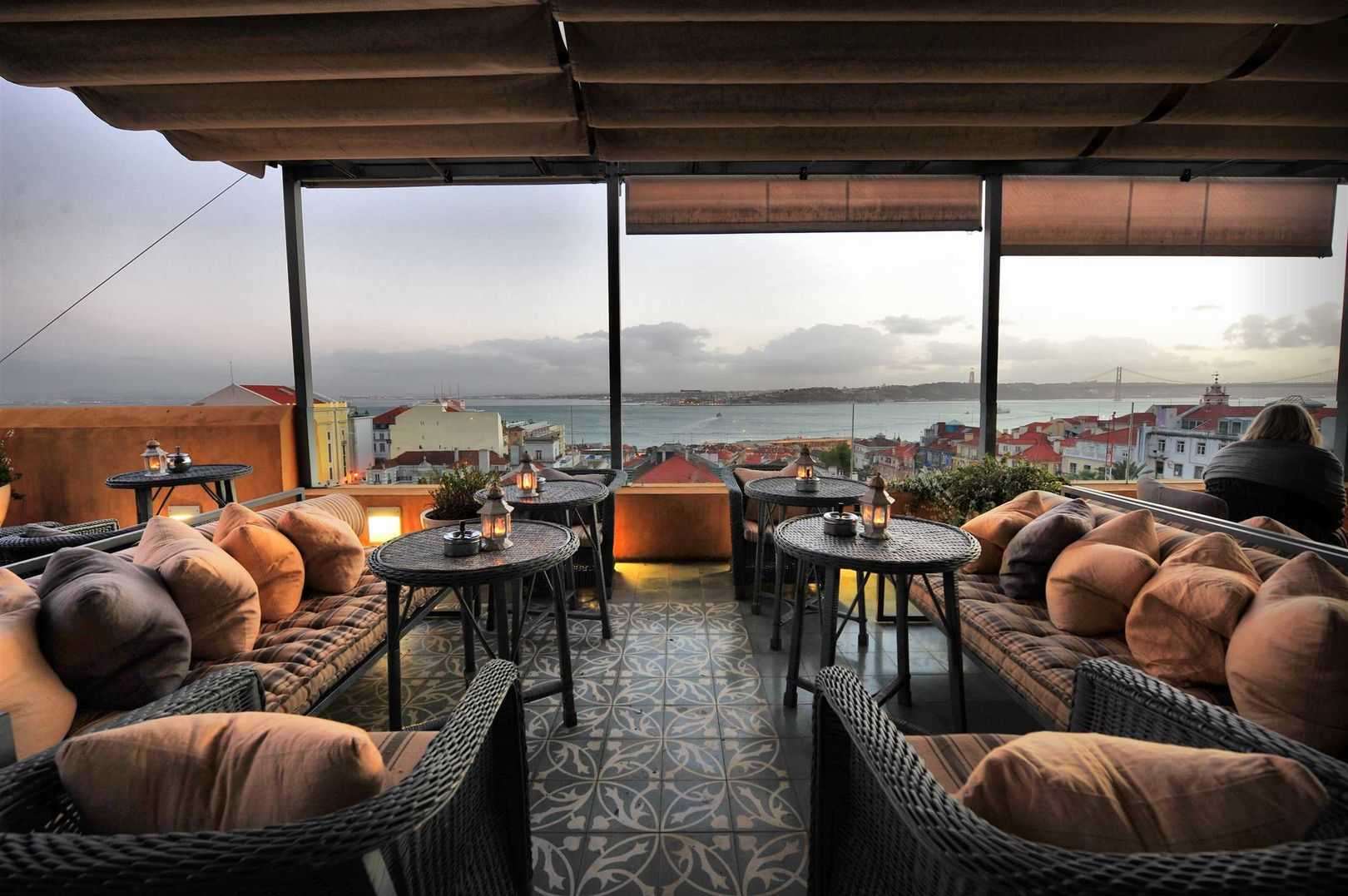 Best luxury hotels in lisbon top 10 ealuxe com for Hotel the terrace