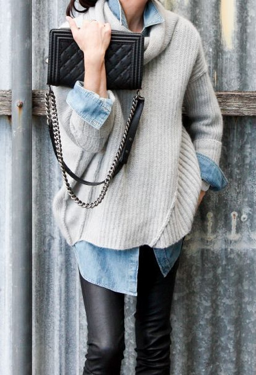 10 Tips on How to Wear an Oversized Sweater