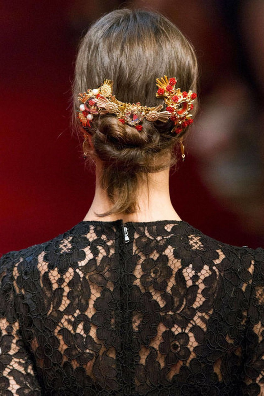 playful accessories hottest hair trends for spring 2015 image