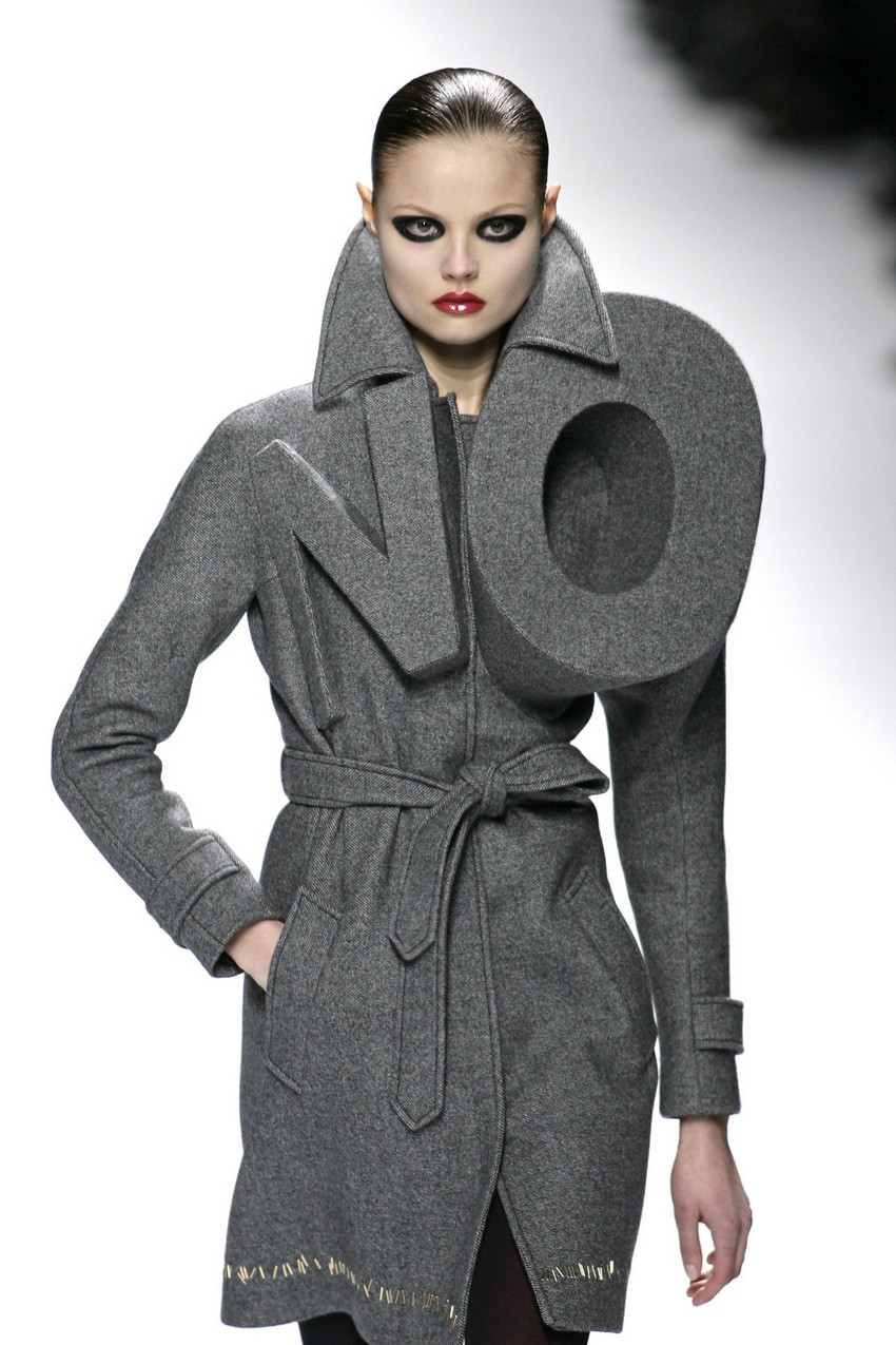 Viktor Rolf Fall 2016 Couture Fashion Show: Why Viktor & Rolf Give Up On Ready-to-Wear