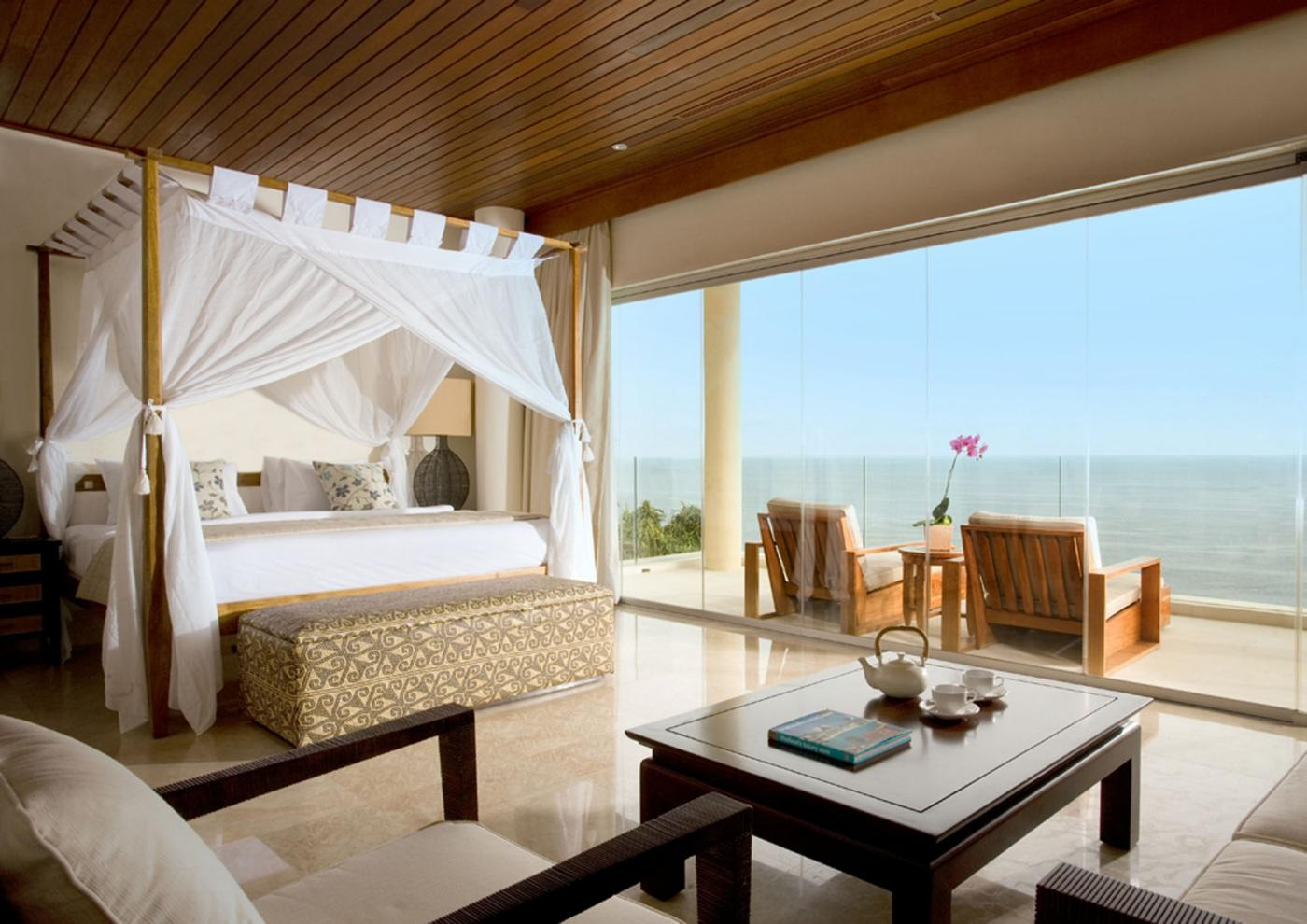 Luxurious bedroom design ideas for a modern home for Modern beach house bedroom