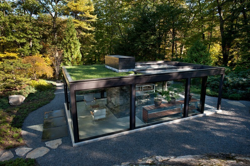 Glass House In The Garden Is A Luxurious Place