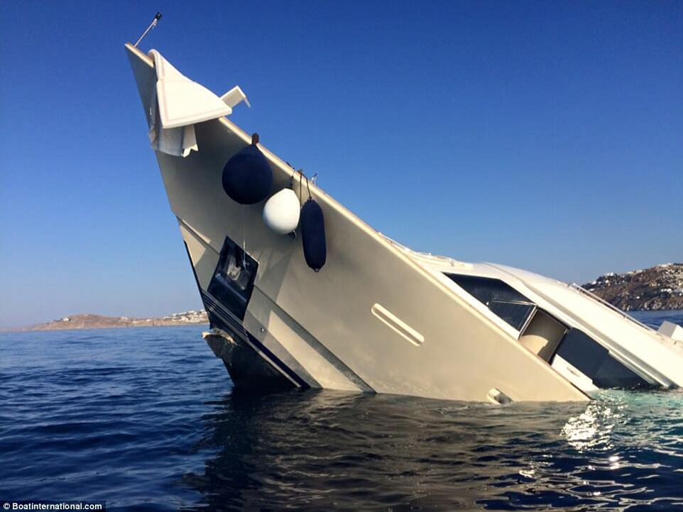 How A 6 Million Super Yacht Looks Like When Sinking Into