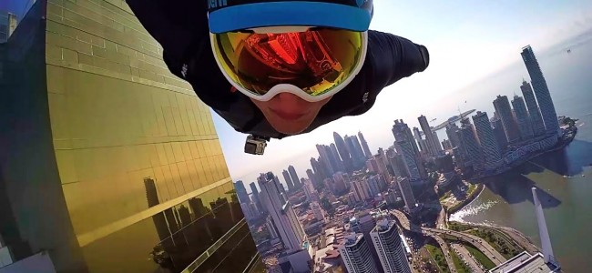 These guys in wingsuits fly through DOWNTOWN PANAMA CITY Like You Have Never Seen Before!
