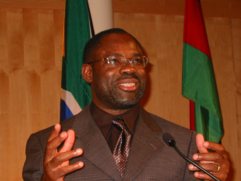 Smartest-People-In-The-World-Philip-Emeagwali.jpg