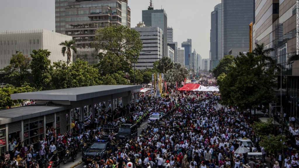 10 Reasons to Place Your Investment in Indonesia | High Population Rate