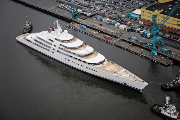 5 Expensive Yachts You Can't Afford azzam-worlds-largest-yacht_2