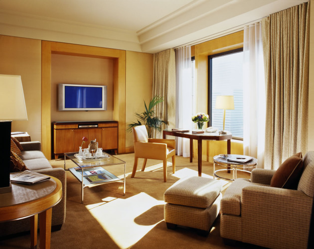 World's Most Expensive Hotel Rooms Four_Seasons_Hotel_New_York_Suite_1