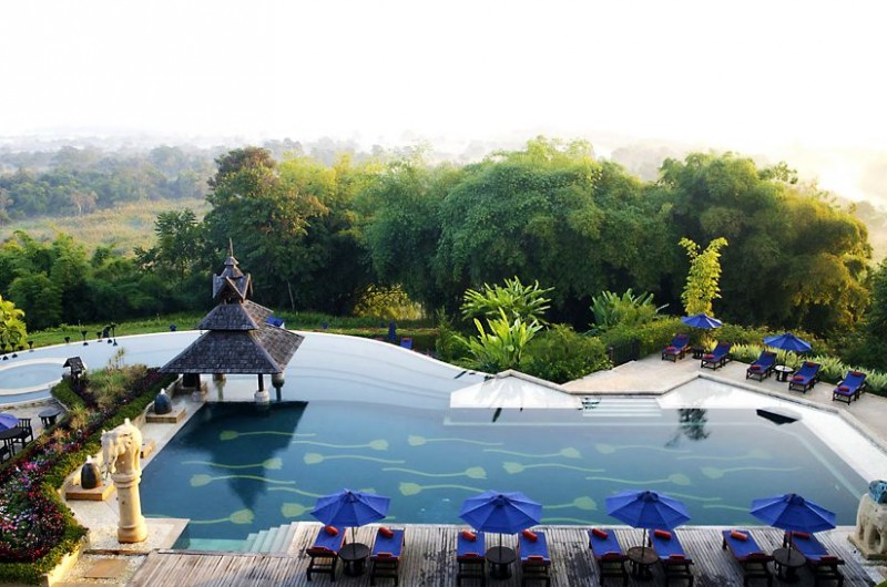 Fabulous-Anantara-Golden-Triangle-Resort-Spa-in-Thailand-1-800x530 Luxury Swimming Pools Around The World