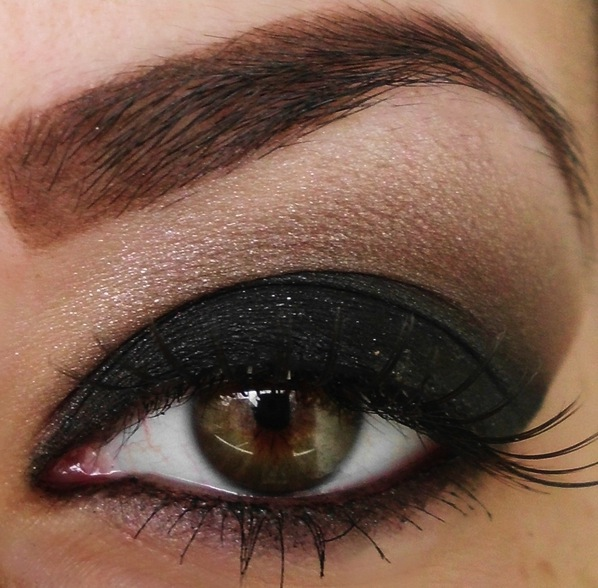 black-smokey-eyes
