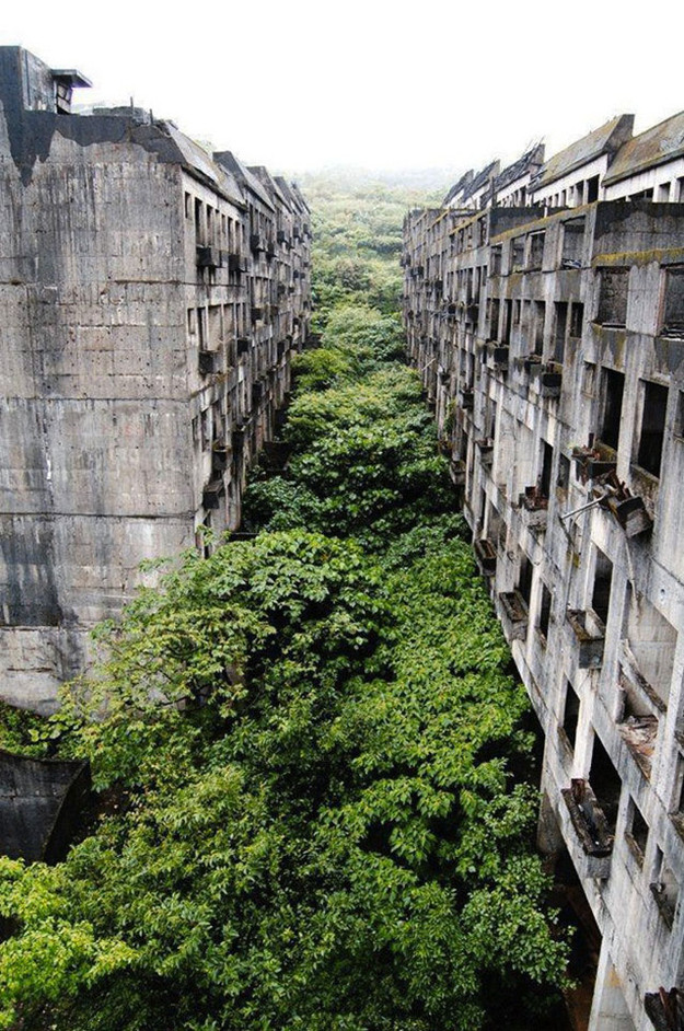 Amazing Abandoned Places Around the World - Part3: Abandoned city of Keelung, Taiwan