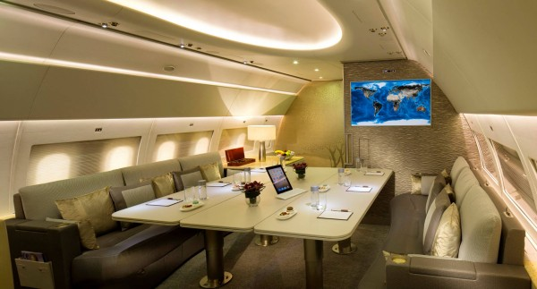 Emirates-Executive-lounge-Luxurious Private Jet