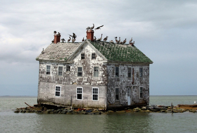 Amazing Abandoned Places Around the World: Holland Island in the Chesapeake Bay