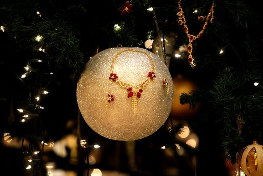Most Expensive Christmas Tree in the World - EALUXE.COM | Gold Neckale