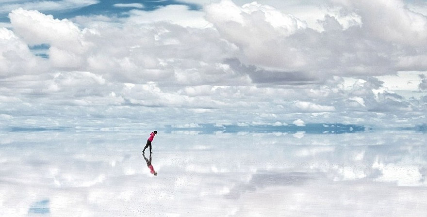 Unreal Looking Places Around The World Solar-du-Uyuni-Bolivia