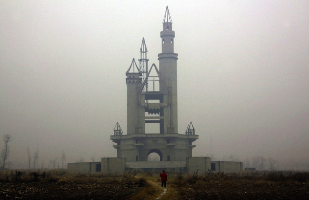 Amazing Abandoned Places Around the World: The abandoned Wonderland Amusement Park outside Beijing, China