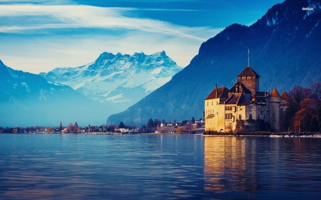 Best Castles To Visit Around the World: Chillon Castle