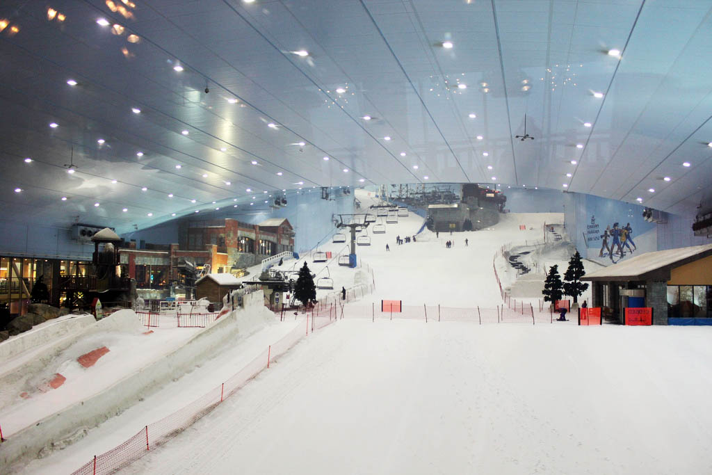 The largest indoor ski resort in world ealuxe