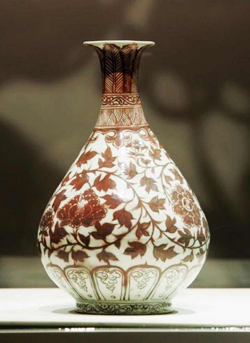 Top 5 Most Expensive Vases in the World - EALUXE.COM  | Christie's Ming Vase