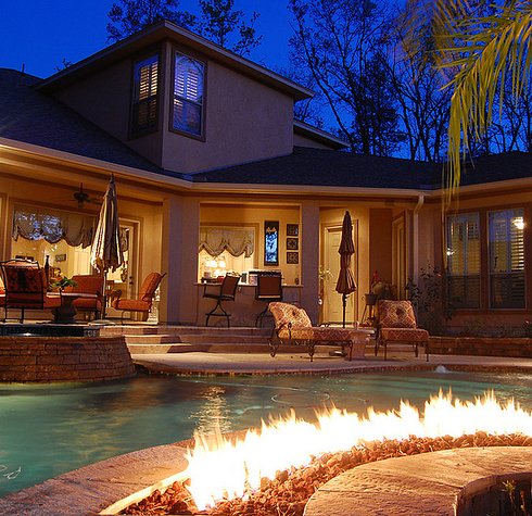 A Fire Pit IN THE POOL 30 Things You Clearly Need In Your New Home