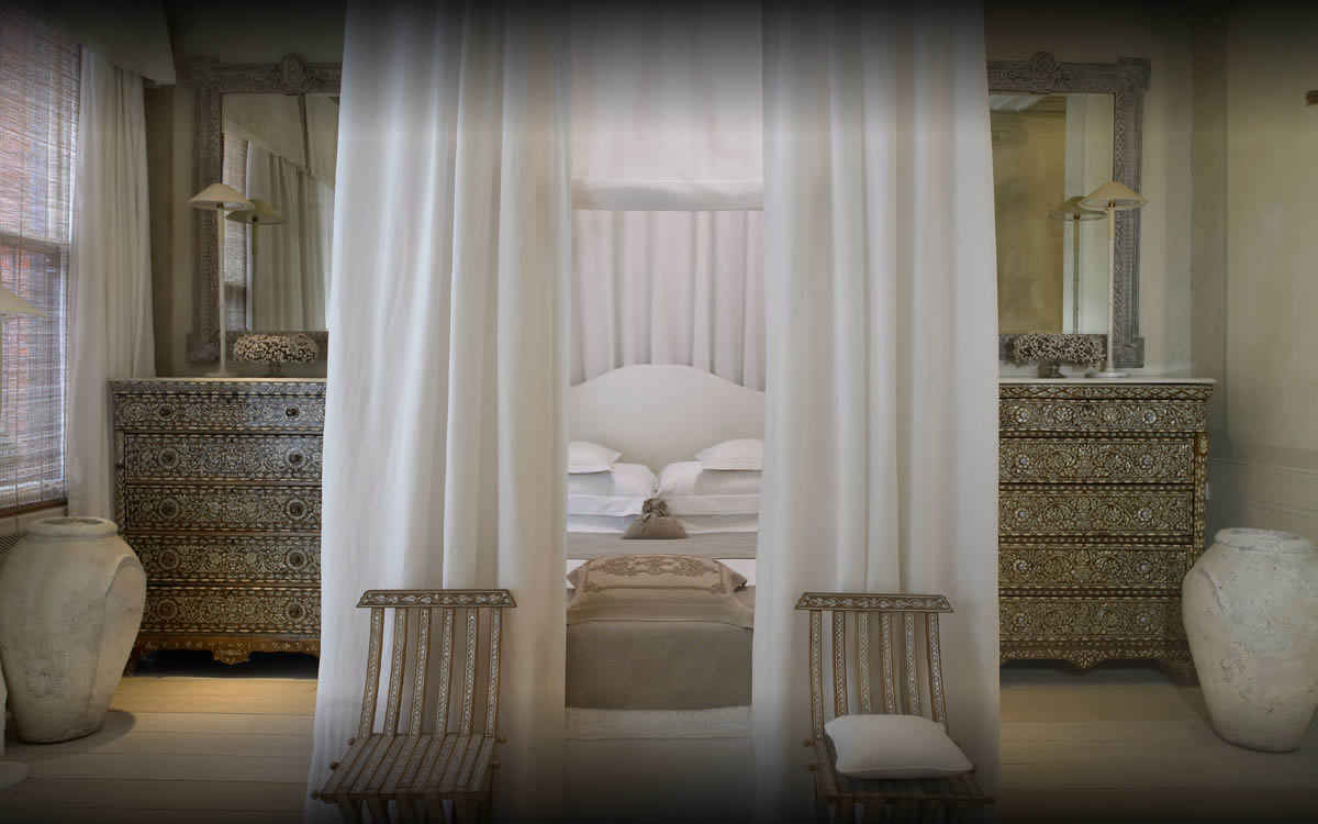 The Sexiest Hotel Bedroom In The World