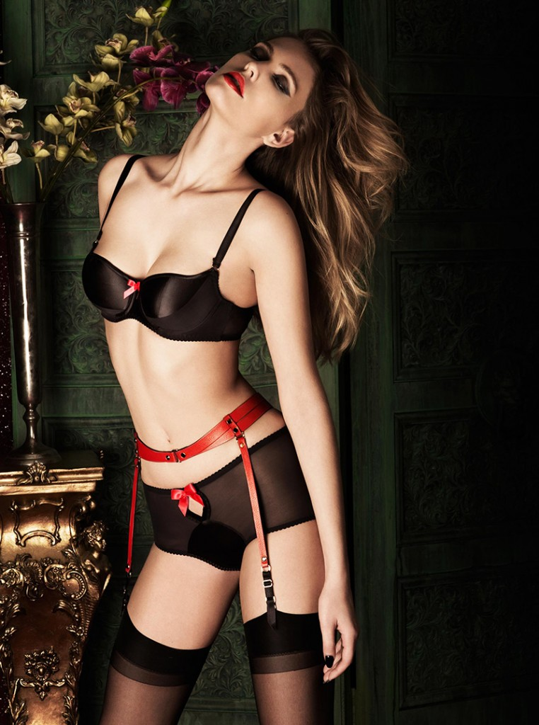 red lingerie new years eve bordelle ealuxe