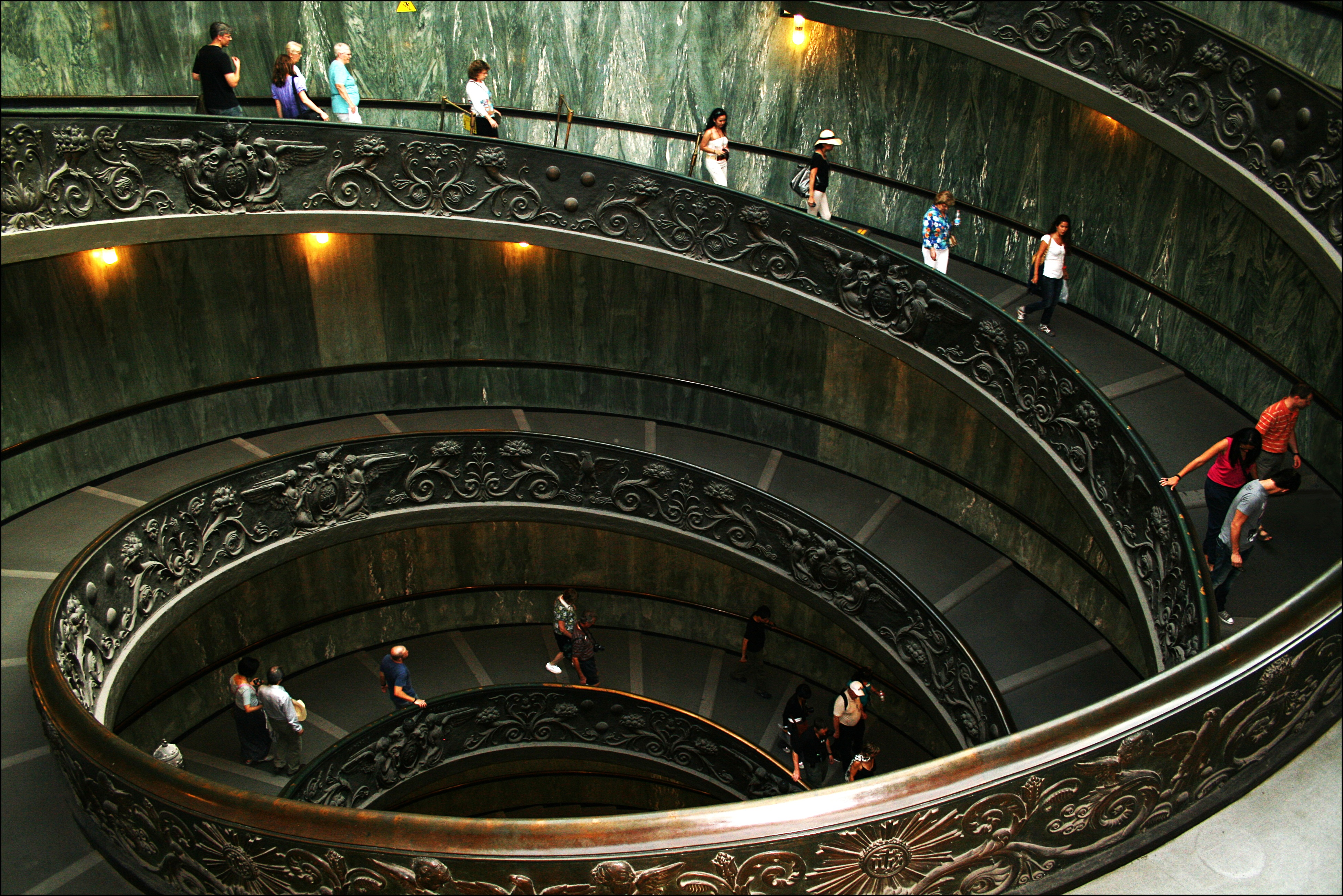 Richest Kid In Dubai >> Most Luxurious Staircases in the World - Alux.com