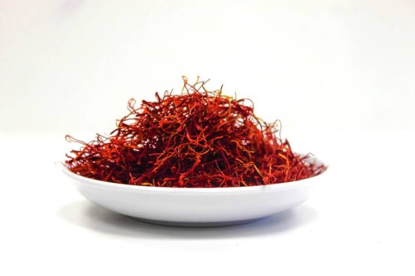 Top 5 Most Expensive Spices in the World - EALUXE.COM   Saffron