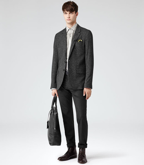 Classy Fashion Trends for Men Spring-Summer 2014 The carrion is making a comeback this season and without it or the pocket square the outfit would have been boring, so pay attention to how you accessorize your look because it can easily turn it around!