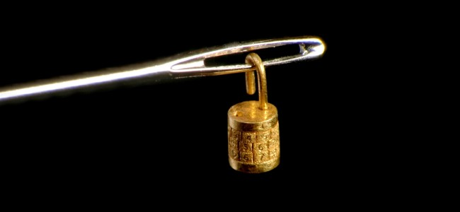 Smallest Golden Lock In The World