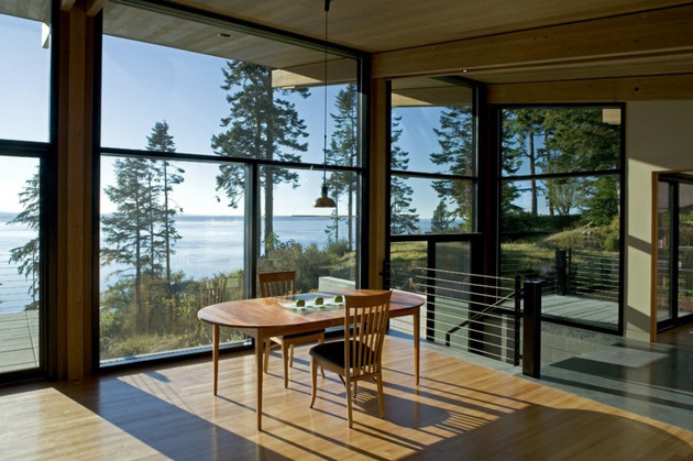 wood-and-glass-cabin-home-brings-luxury-to-nature-8-thumb-630x419-10592