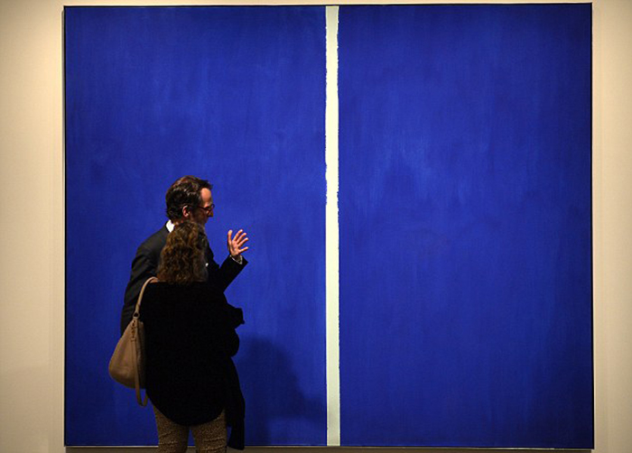 $44 Million Blue canvas with a White Stroke 44-Million-dolar-painting-is-just-blue-with-a-white-line-Onement-VI-by-Barnett-Newman-3.jpg