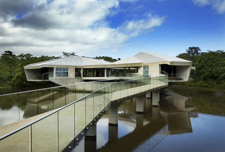 futuristic house that can withstand cyclones - alux