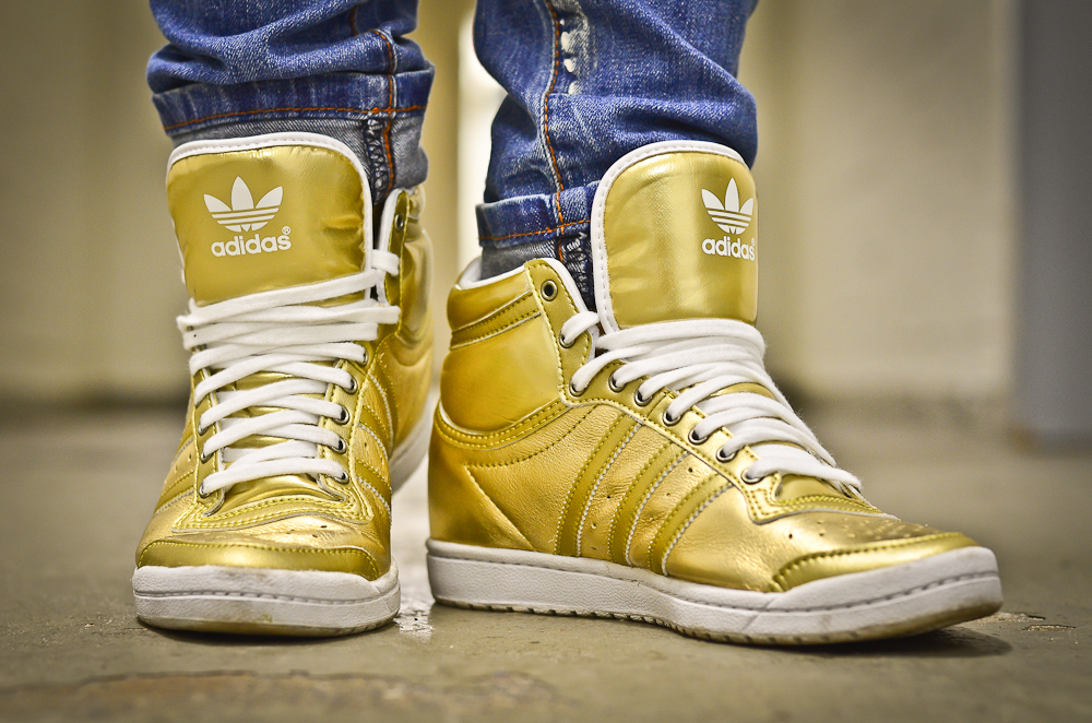 nike dunks gold dipped