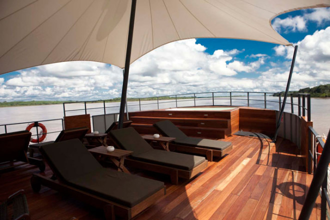 The top of this luxurious riverboat can be used for tanning, relaxing or inspecting the surroundings!