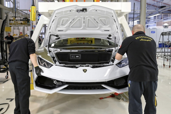 54 Photos Showing You How The Lamborghini  Huracan Was Built!
