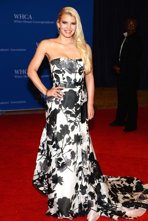 Best.Dressed.Celebrities.at.WHCD.2014.N.7.JESSICA.SIMPSON